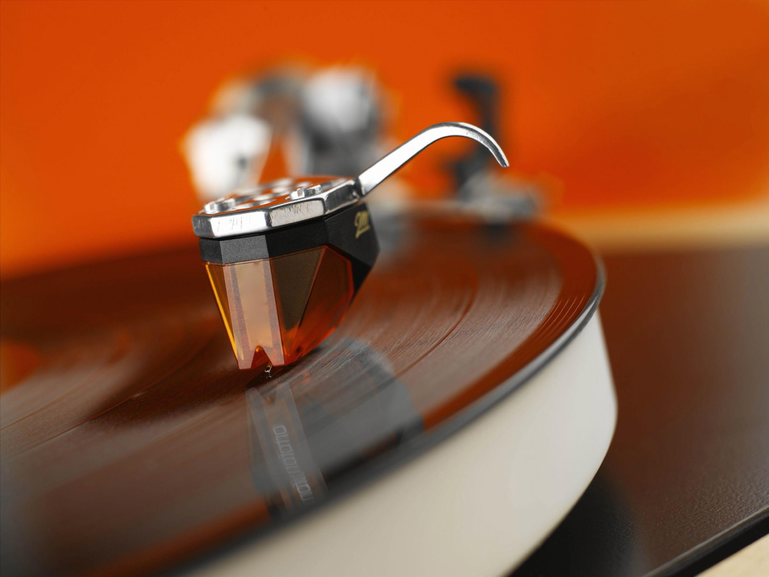 ortofon-2m-bronze-moving-magnet-cartridge-_3_-425-p_2_1-2